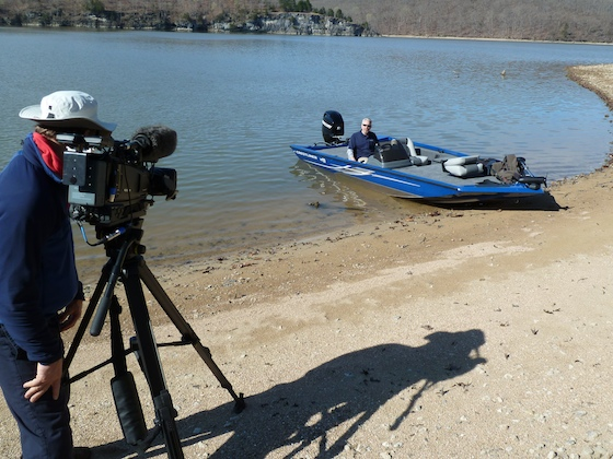 Charles Plueddeman reviews the Crestliner 17 VT on location at the Lake of the Ozarks.