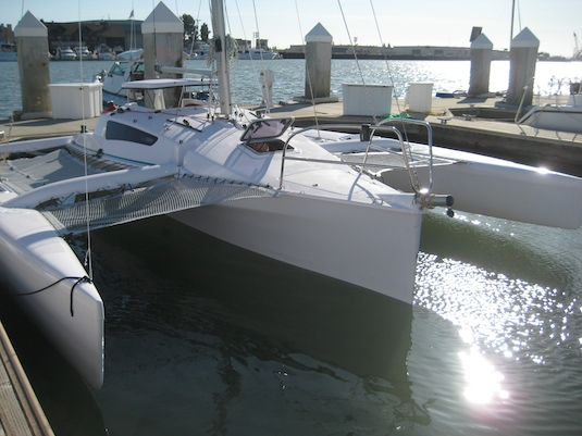 "Corsair's new ""Dash"" model has fuller amas and an enlarged main hull for better pocket cruising."