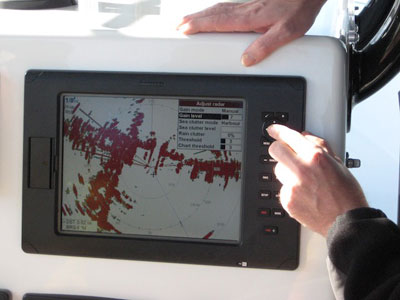 Simrad's new broadband radar shows extraordinary detail while passing under a Miami drawbridge.
